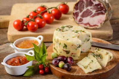 Formaggio Olive e Peperoncino - Azienda Agricola l'Uiveto